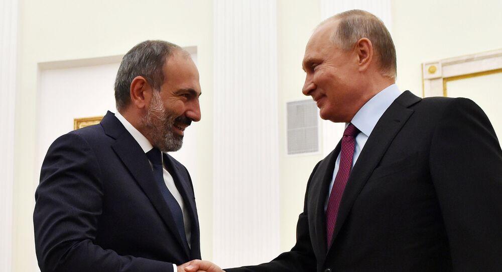 Ermenistan Başbakanı Nikol Paşinyan ve Rusya Devlet Başkanı Vladimir Putin