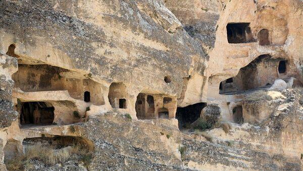 Gizemli yapısı ile tarihi fısıldayan 7 katlı dubleks mağaralar: Hasuni - Sputnik Türkiye