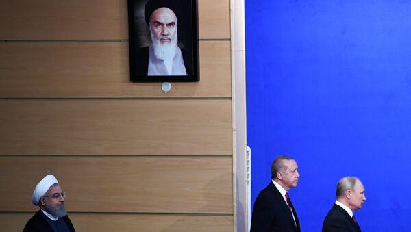 İran Cumhurbaşkanı Hasan Ruhani- Cumhurbaşkanı Recep Tayyip Erdoğan- Rusya Devlet Başkanı Vladimir Putin - Sputnik Türkiye
