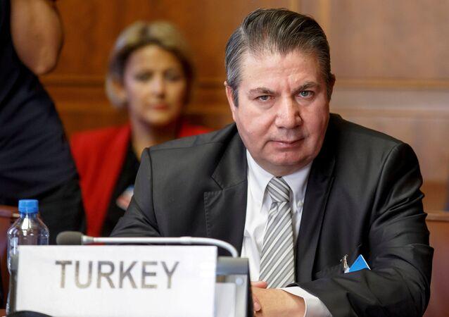 Cenevre'deki toplantıda Türkiye heyetinin başında Dışişleri Bakan Yardımcısı Sedat Önal vardı.