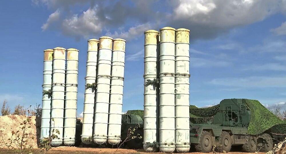 Vostok-2018 askeri tatbikatına katılan S-400 hava savunma sistemleri