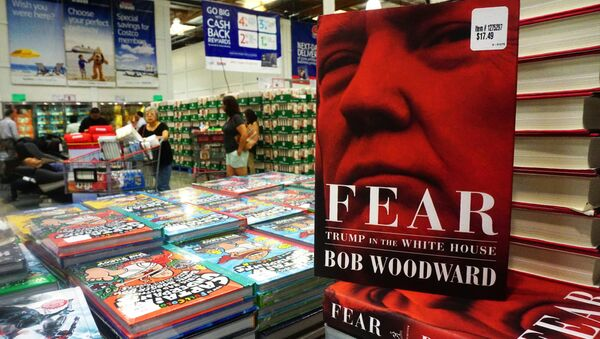 Veteran journalist Bob Woodward's latest book Fear: Trump in the White House is displayed for sale upon releaase at a Costco store in Alhambra, California on September 11, 2018 - Sputnik Türkiye