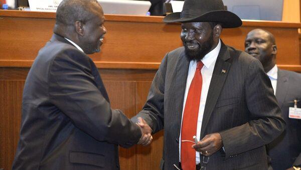 Güney Sudanlı taraflar, aylardır süren yeni barış müzakereleri kapsamında nihai barış anlaşmasını imzaladı. - Sputnik Türkiye