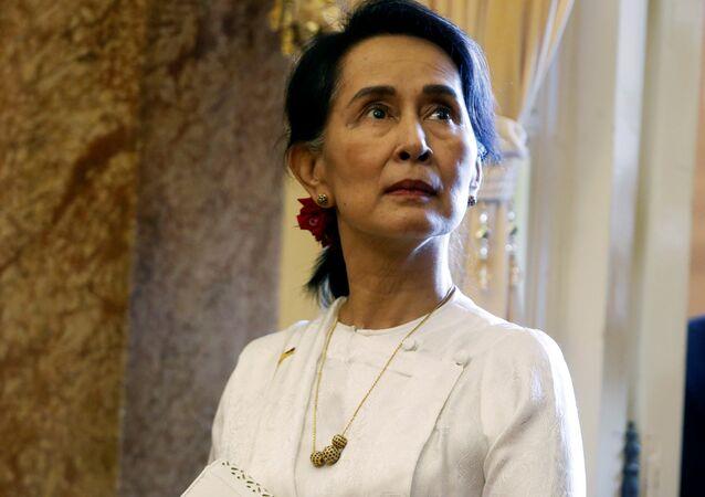 Myanmar'ın fiili lideri Aung San Suu Kyi