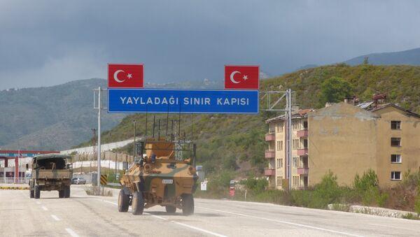 TSK, İdlib'e askeri sevkiyat yapıyor ve gözlem noktalarındaki askeri varlığını artırıyor - Sputnik Türkiye