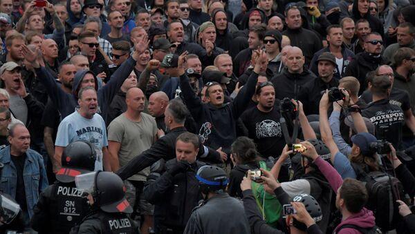 Chemnitz- Aşırı sağcı eylemciler - Sputnik Türkiye