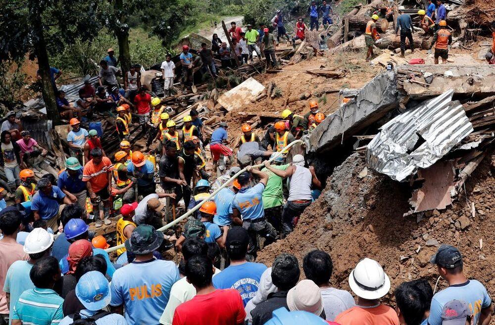 Filipinler'de Heyelan:  Ölü sayısı 36'ya yükseldi
