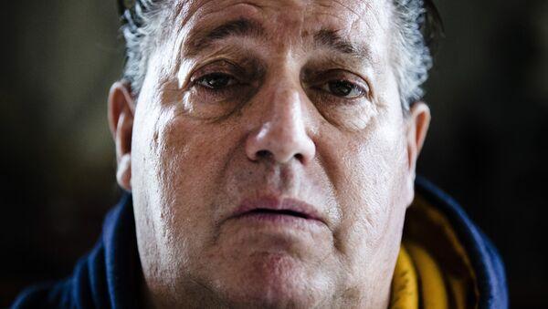 Trende tıraş olduğu için eleştirilen adam: Hayatım berbat durumda - Sputnik Türkiye