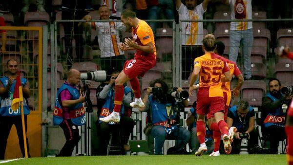 Galatasaray, UEFA Şampiyonlar Ligi D Grubu ilk maçında konuk ettiği Rusya'nın Lokomotiv Moskova takımını 3-0 yendi. - Sputnik Türkiye