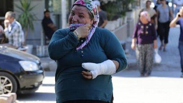 Korna sesini duymayan işitme engelli kadını dövüp, kolunu kırdılar - Sputnik Türkiye