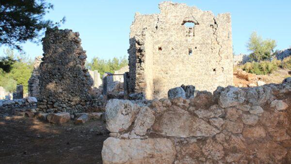 Antalya'da yıllar süren kazı çalışması sonrası 2200 yıllık şehir ortaya çıkarıldı - Sputnik Türkiye