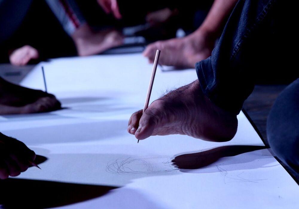 Köydeki araziyi satıp Sanat Merkezi açtılar