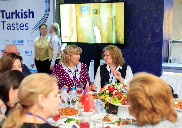 Ruslar Türk lezzetleriyle buluştu