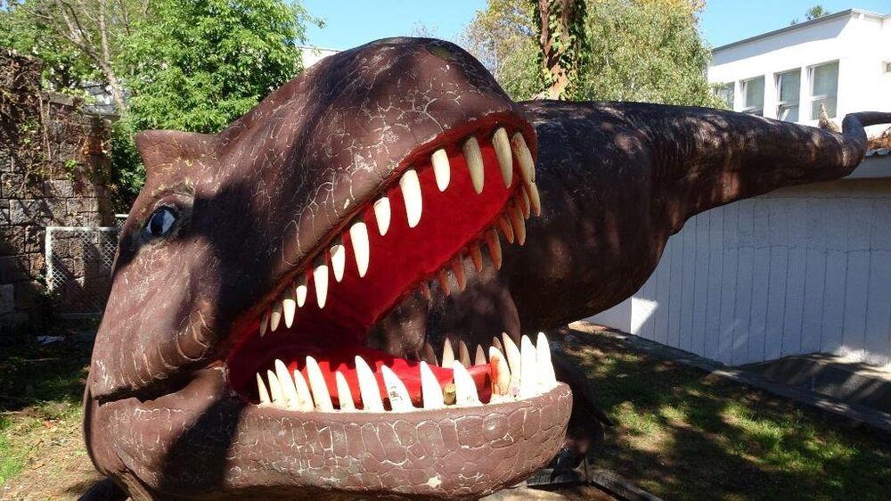 Melih Gökçek'in dinozor maketleri Trabzon'da