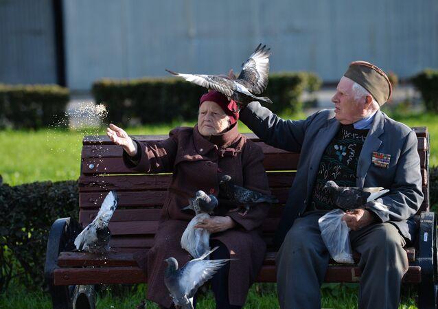 Yaşlı Rus çift