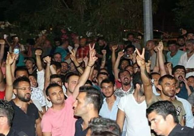 Antalya'da tutuklubulunan CHP'liler