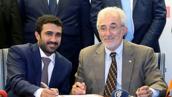 Tekzen Yönetim Kurulu Başkanı ve Üst Yöneticisi (CEO) Murat Girgin ile Al Meera Holding İcra Kurulu Başkan Vekili Salah Al-Hammadi - Sputnik Türkiye