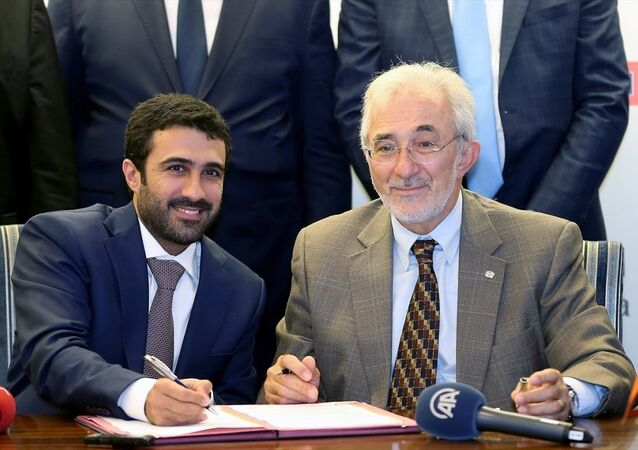 Tekzen Yönetim Kurulu Başkanı ve Üst Yöneticisi (CEO) Murat Girgin ile Al Meera Holding İcra Kurulu Başkan Vekili Salah Al-Hammadi
