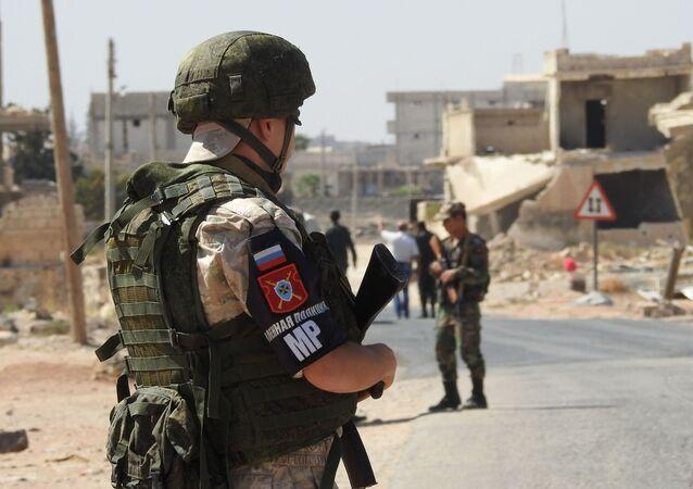 Siviller, İdlib'deki Abu Duhur  insani koridorundan çıkıyor