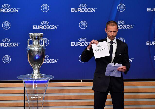 UEFA Başkanı Aleksander Ceferin Euro 2024'ü Almanya'nın kazandığını açıklarken üzgün gözüktü.
