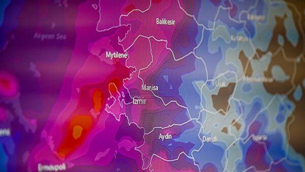 Meteoroloji, Ege Bölgesi için uyardı: 'Tropik fırtına sık rastlanan meteorolojik bir hadise değil' - Sputnik Türkiye