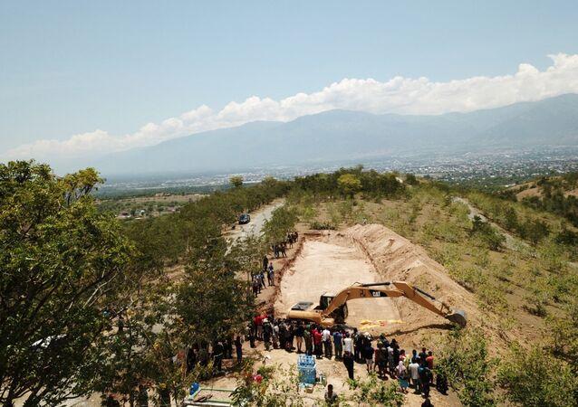 Palu'da deprem ve tsunami kurbanları için hazırlanan 1300 kişilik toplu mezar