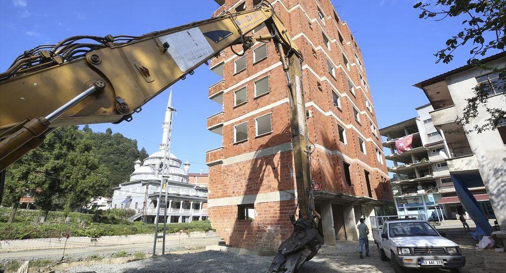 Rize- 7 katlı bina