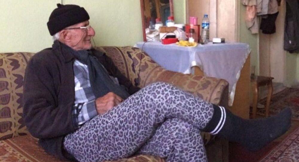 Yangında kedisini kurtaran Mustafa Çetin Duran