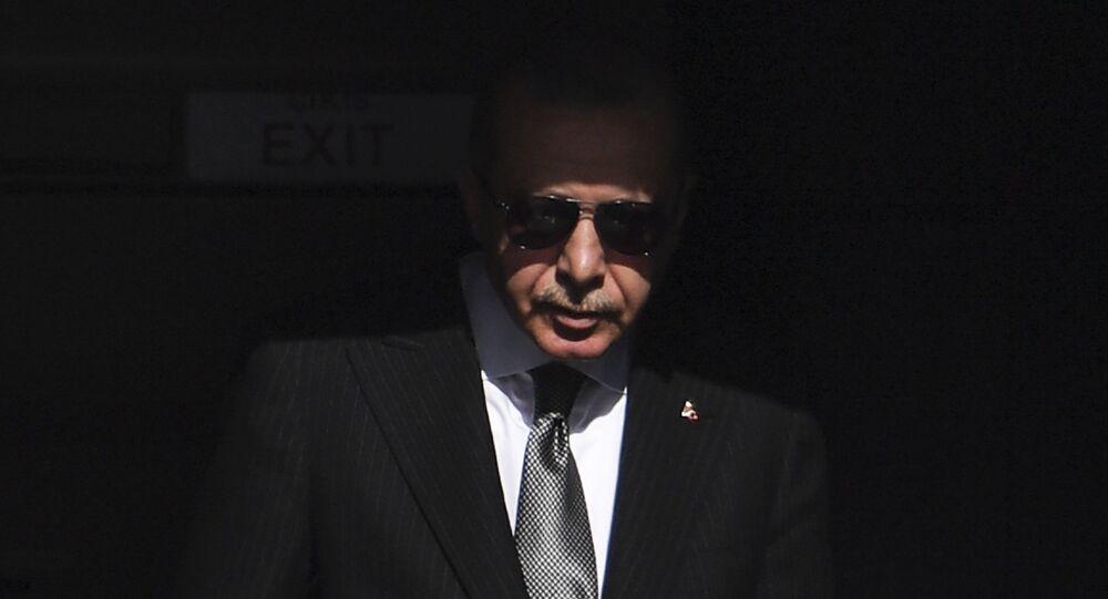Recep Tayyip Erdoğan - güneş gözlüğü