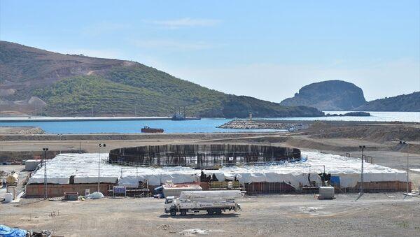 Türkiye'nin ilk nükleer güç santrali projesi olan ve yapımına devam edilen Mersin'deki Akkuyu Nükleer Güç Santrali (NGS), Açık Kapı etkinliği kapsamında ilk kez vatandaşların ziyaretine açıldı. - Sputnik Türkiye