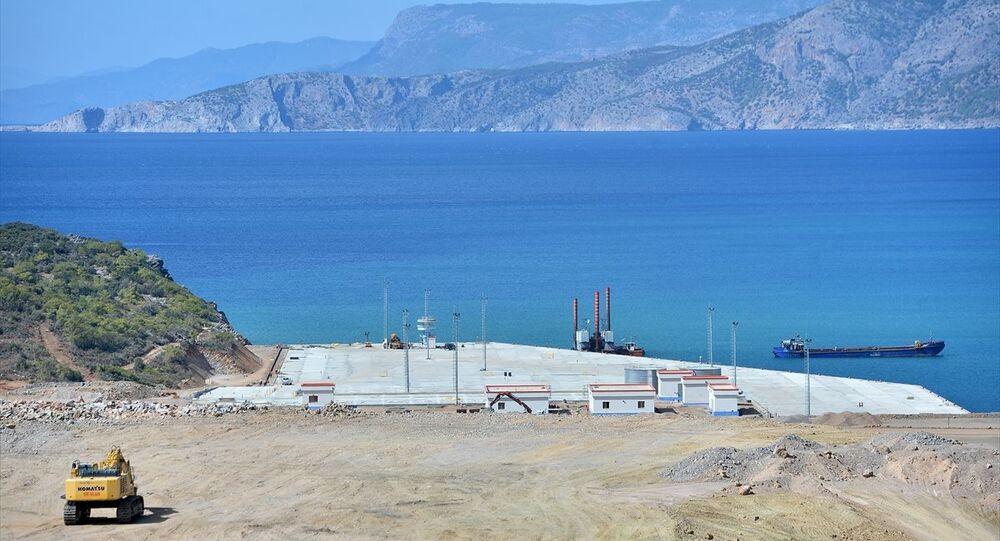 Türkiye'nin ilk nükleer güç santrali projesi olan ve yapımına devam edilen Mersin'deki Akkuyu Nükleer Güç Santrali (NGS), Açık Kapı etkinliği kapsamında ilk kez vatandaşların ziyaretine açıldı.