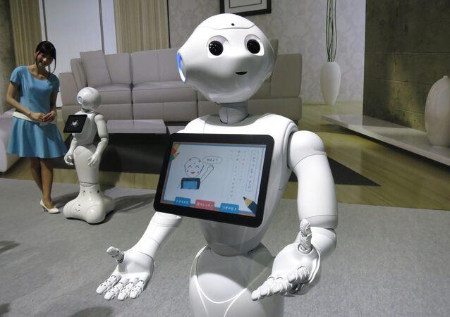 Japon elektronik şirketi SoftBank tarafından geliştirilen Pepper (Biber) isimli robot