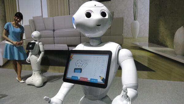 Japon elektronik şirketi SoftBank tarafından geliştirilen Pepper (Biber) isimli robot - Sputnik Türkiye