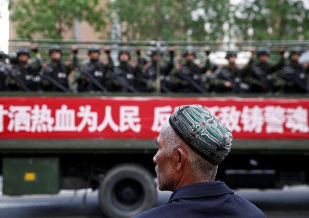 Sincan Uygur Özerk Bölgesi'ndeki Çin askerleri