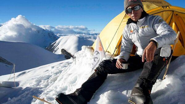 Valery Rozov - Himalaya Record Jump 2016 - Sputnik Türkiye