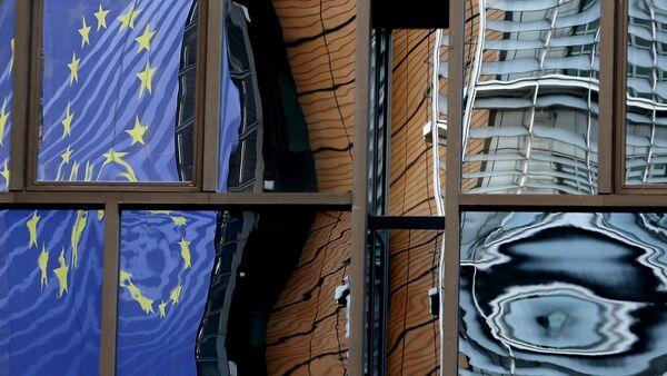 Brüksel'deki AB Konseyi binasının camlarına Avrupa Komisyonu binasının aksi vurunca - Sputnik Türkiye