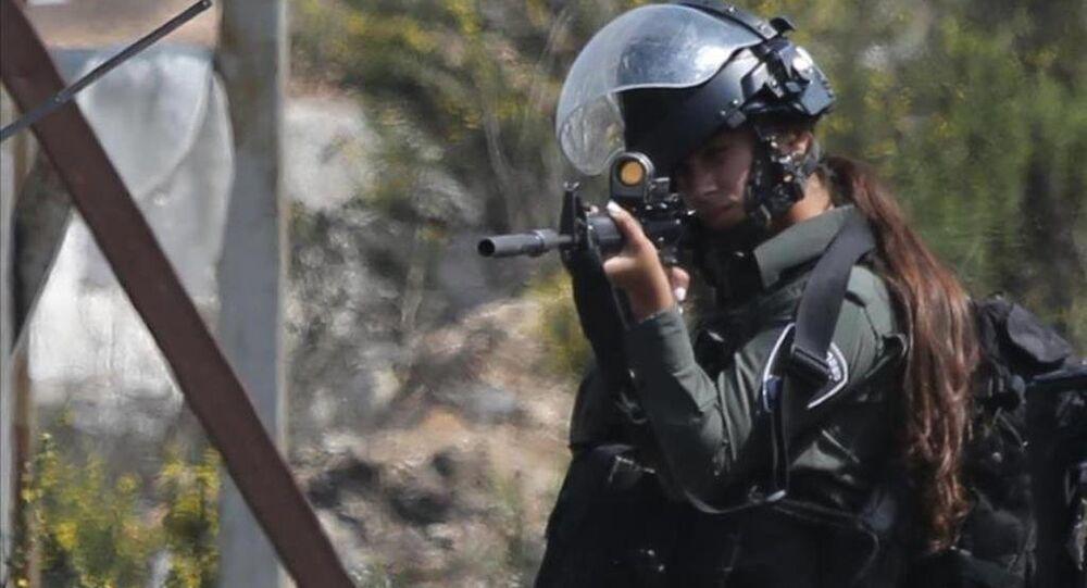İsrailli kadın polis