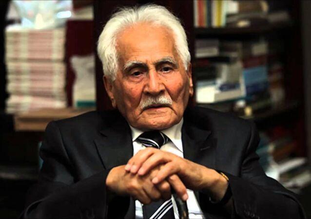 Şair Bahaettin Karakoç hayatını kaybetti