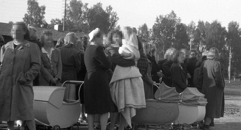 2. Dünya Savaşı sırasında Norveç'ten Almanya'ya çocuklarıyla birlikte giden Norveçli kadınlar