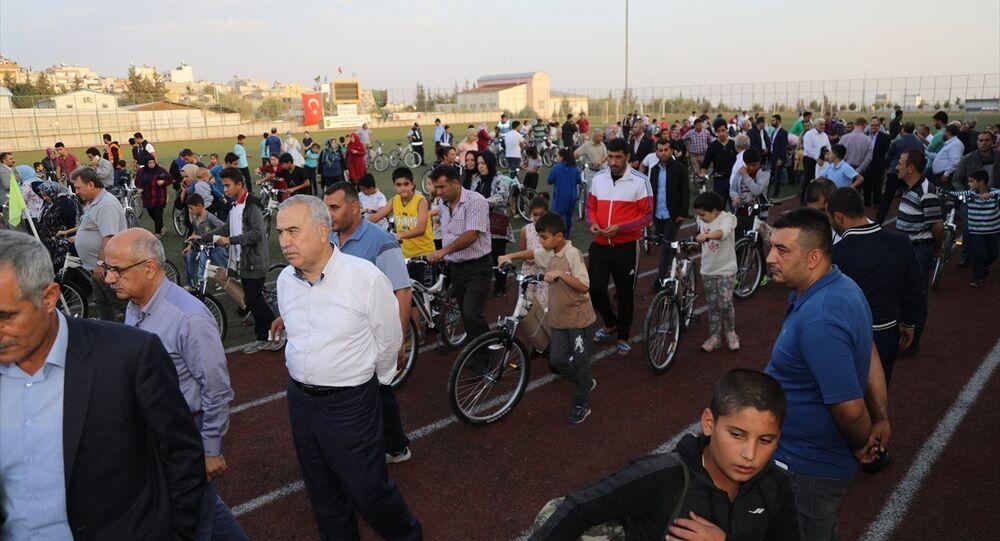 Kilis Belediyesi ve Sağlık Bakanlığı iş birliğiyle hayata geçirilen 15 bin eve 15 bin bisiklet kampanyası
