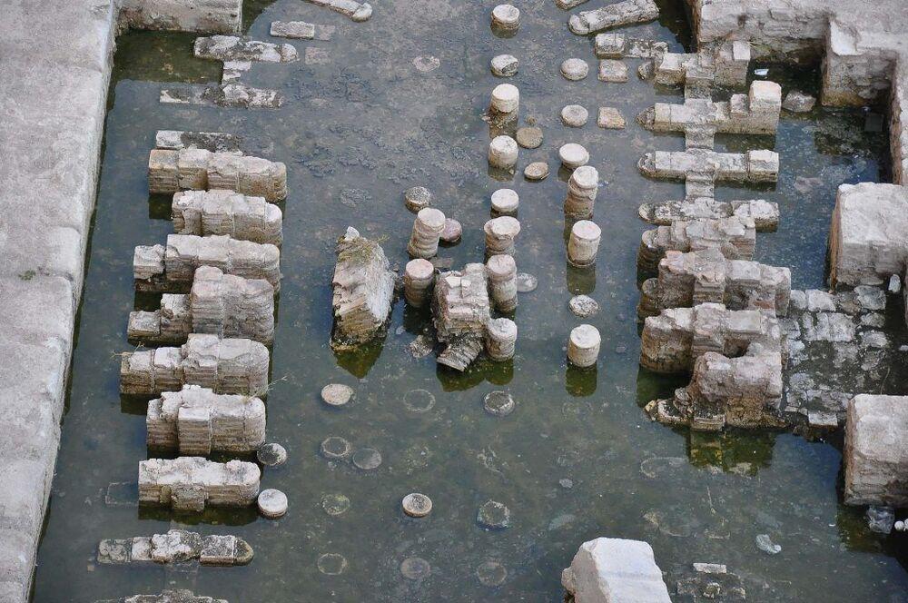 İzmir'in Konak ilçesinde Roma imparatorluk salonu