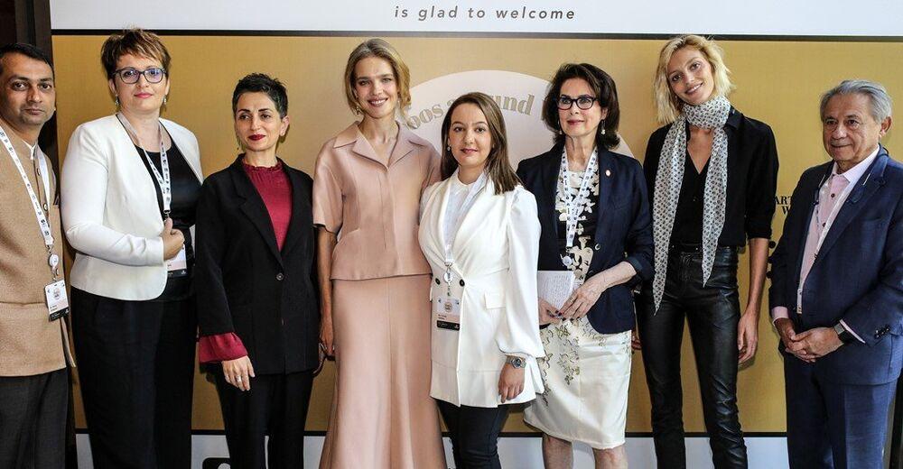 Birleşmiş Milletler Nüfus Fonu'nca (UNFPA), kadınların güçlendirilmesine ve tabuların üstesinden gelinmesine yönelik düzenlenen 'Let's Talk!' sempozyumu