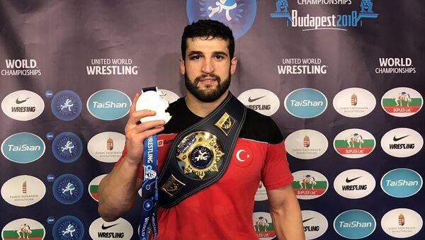 Dünya Güreş Şampiyonası'nda Metehan Başar'dan altın madalya - Sputnik Türkiye
