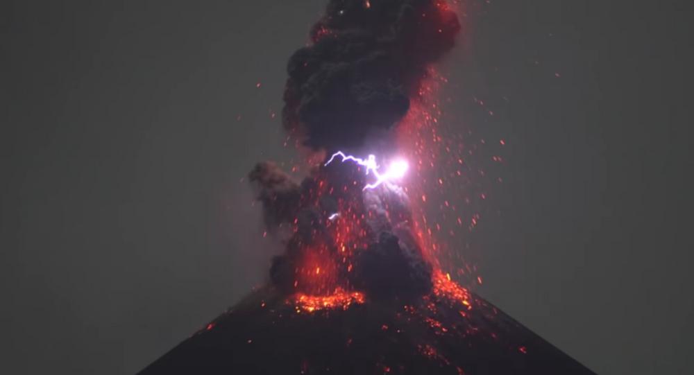 Krakatau Yanardağı