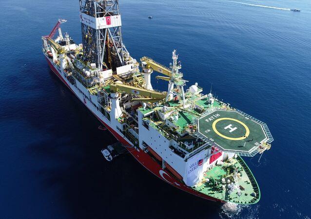 Türkiye'nin ilk sondaj gemisi Fatih