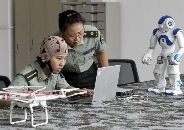 WSJ: Çin ordusu, binlerce bilim insanını yurtdışında eğitime gönderdi, bazılarının kimliği gizli