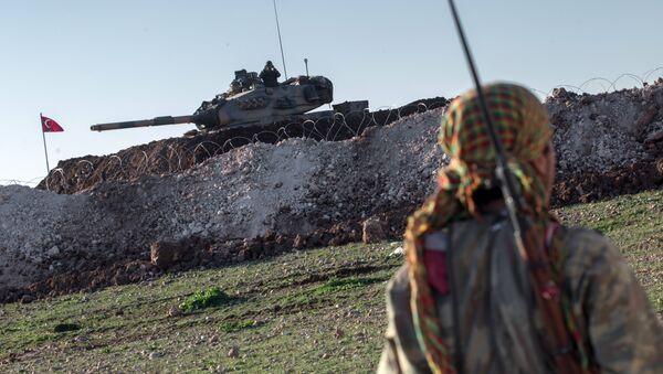 YPG ile TSK'ye ait tank - Sputnik Türkiye