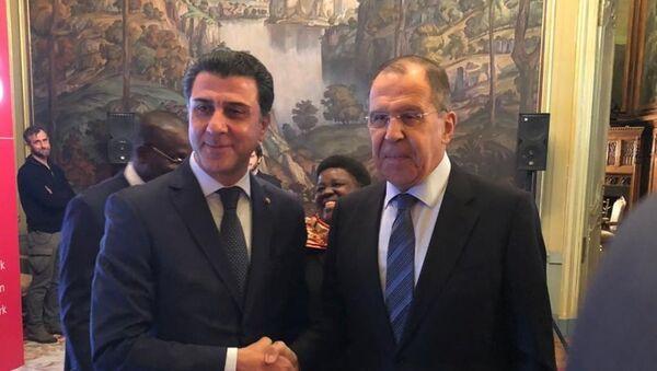 Rusya Dışişleri Bakanı Sergey Lavrov ve  TOBB- Tobtim Rusya Genel Müdürü Sabahattin Yavuz - Sputnik Türkiye