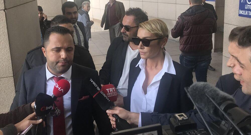 Sıla Gençoğlu -  avukatı Rezan Epözdemir