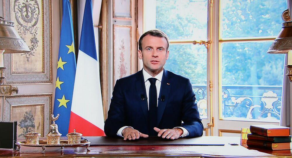 Macron bu kararın Fransa halkına, geleceğine ve değerlerine duyulan güvenin bir işareti olduğunu söyledi.
